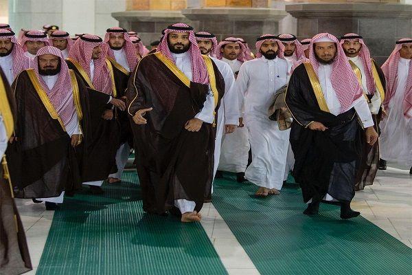 ولي العهد يتفقد أعمال التوسعة السعودية الثالثة