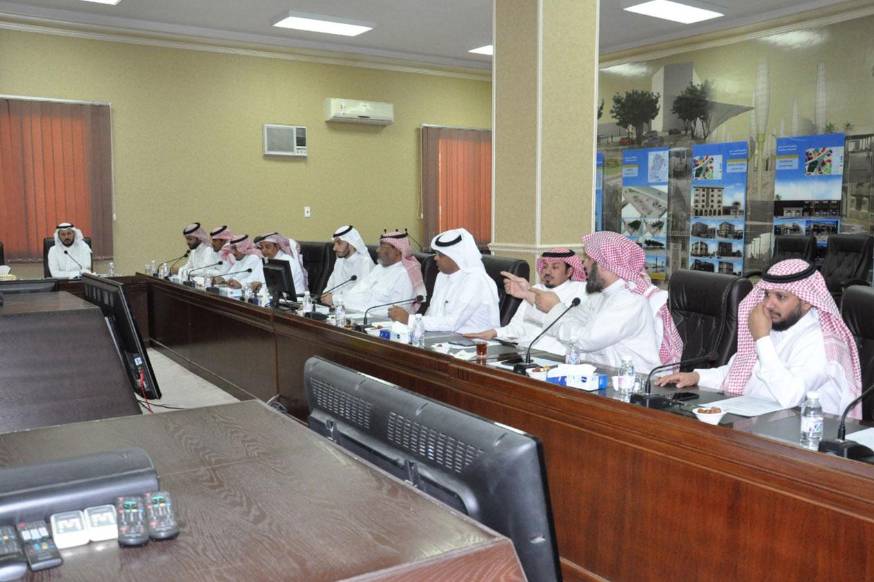 المجلس البلدي بالطائف يقيم أعماله